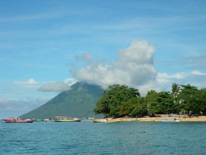 Manado Bay, Alternatif Wisata Hemat Yang Mengagumkan