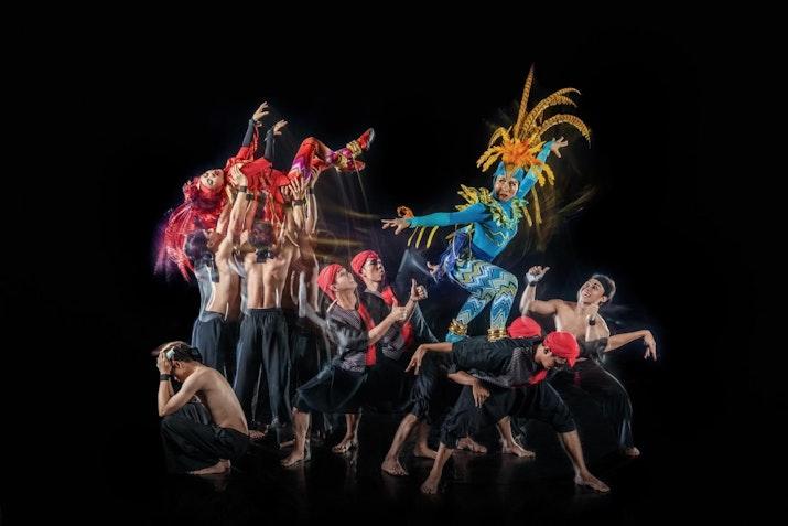 Pameran Foto Indonesian Beauty karya kolaborasi Martha Suherman, Rusdy  Rukmarata, dan Didet Maulana.