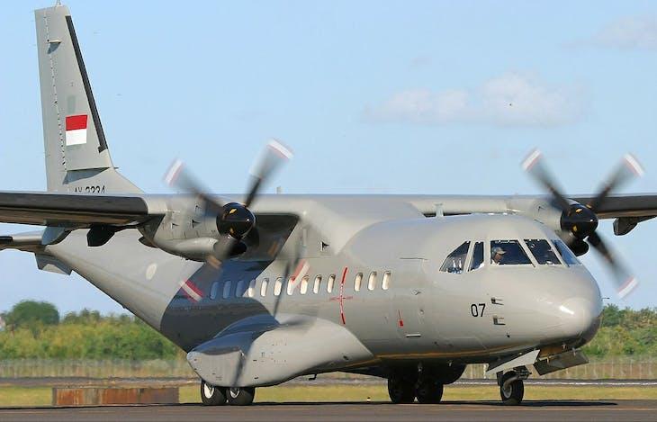 Gambar sampul Mengenal CN-235, Pesawat Made In Indonesia yang Diincar Banyak Negara
