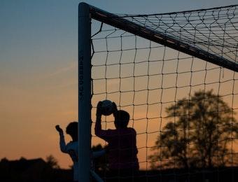 5 Tim Sepak Bola Legendaris Indonesia