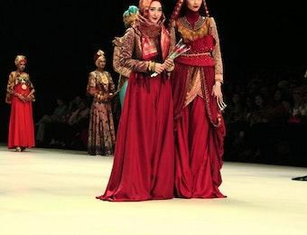 Yuk Dukung 6 Desainer Indonesia yang Akan Tampilkan Protet Keberagaman Indonesia di New York Fashion Week!