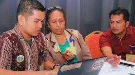 Kembali Berkontribusi Pada Negeri, Diaspora Indonesia dari Amerika Latih Guru di Papua