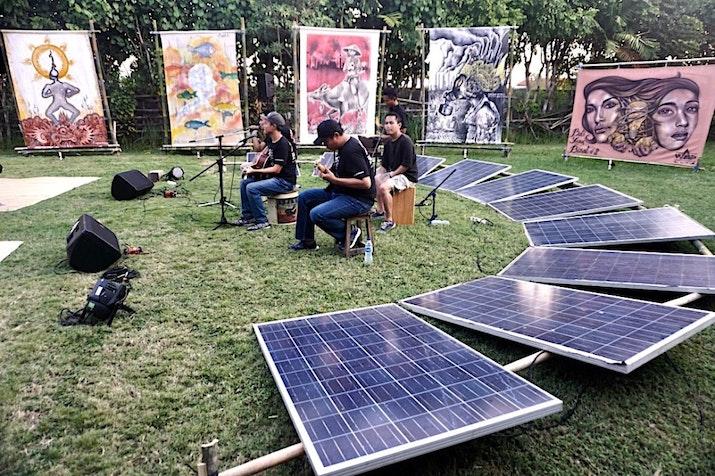Seniman Street Art Menyuarakan Energi Esok Hari