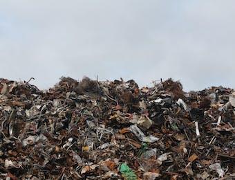 Indonesia dan PBB Kerja Sama Kurangi Sampah Plastik