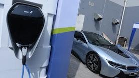 Pertamina Meluncurkan Pengisian Baterai Kendaraan Lengkap dengan 'Fast Charging'