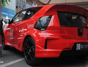 Mobil Listrik Karya Mahasiswa Surabaya Melaju di tol baru