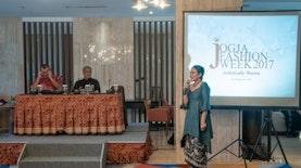 Resmi Dibuka, Begini Kemeriahan Jogja Fashion Week XII