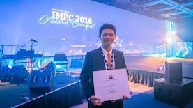 """Mahasiswa Indonesia Meraih """"Young Author Award"""" di Kanada"""