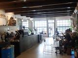 Gambar sampul Bersama Dua Coffee, Mengenalkan Kopi Nusantara di Amerika