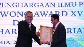 Dosen dan Pakar Lingkungan IPB Ini Terima  Penghargaan dari LIPI