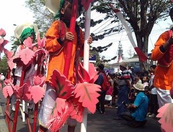 Festival Egrang Tanoker yang Mendunia