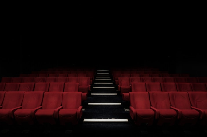 31 Desember 1926: Pemutaran Film Indonesia Pertama di Bioskop