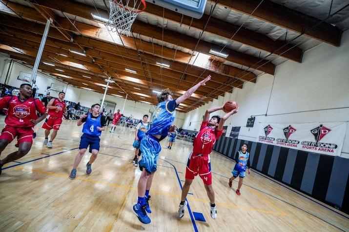 Skuat Basket Pelajar Indonesia Berbagi Kemenangan di Turnamen Nasional Amerika Serikat