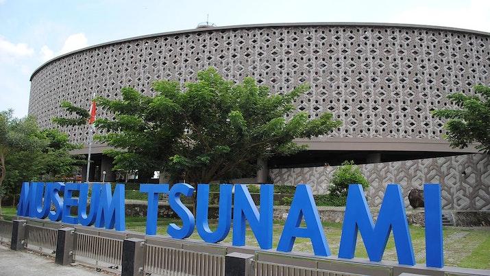 Mengenang Tragedi Tsunami Lewat Museum Tsunami Aceh