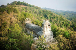 5 Tempat Wisata Unik yang Cuma Ada di Indonesia