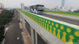 Ada yang Menarik pada Corak Pagar Pembatas Busway Transjakarta di Koridor 13