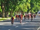 Kisah Pesepeda Indonesia, Jelajahi Himalaya hingga Galang Aksi Sosial