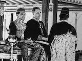 Gambar sampul Sejarah Hari Ini (18 Maret 1940) - Penobatan Sri Sultan Hamengkubuwana IX