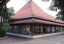 Sejarah Hari Ini (13 Juli 1930) - Gedung Nasional Indonesia, Saksi Perjuangan Politik dan Seni Rakyat Surabaya