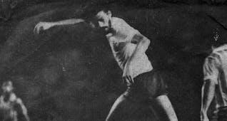 Sejarah Hari Ini (26 Januari 1983) - Maestro Sepak Bola Socrates Beraksi di Senayan