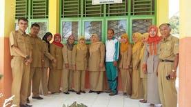 Guru Lebih Dihormati di Indonesia Dibanding Eropa