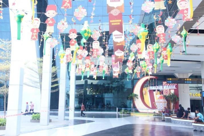 Seluk-Beluk Halal Park di Terminal 3 Bandara Soetta