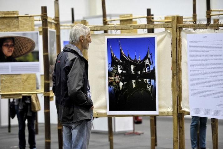 Mengintip Kisah Ibu Lewat Lukisan Yang Dipamerkan Di Hamburg