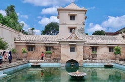 Mengulik Legenda Taman Sari, Tempat Pemandian Keluarga Keraton