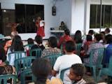 Gambar sampul Melirik Ibadah Syukur Radio Swasta di Kota Jayapura