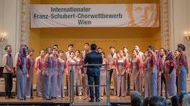 Membawakan Lagu Tradisional, Paduan Suara Universitas ini Juara di Austria