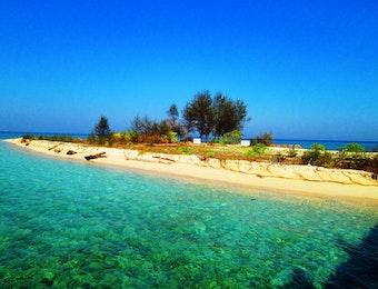 Pulau Yang tak Berpenghuni, Namun Menawarkan Keindahan Alam yang Memukau Mata