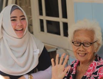 Teman Lansia: Pemuda Masa Kini Peduli Lansia di Panti