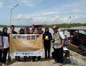Mahasiswa Fakultas Kehutanan UGM Ikuti Asian Waterbird Cencus (AWC) 2017