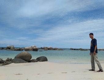 Namanya Pantai Pabrik, SurgaTersembunyi Diujung Pulau Bangka