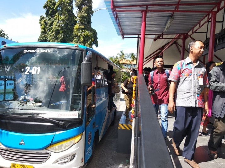 Setelah Sempat Tidak Beroperasi, Kini Alternatif Shuttle Bandara Bali Beroperasi Kembali