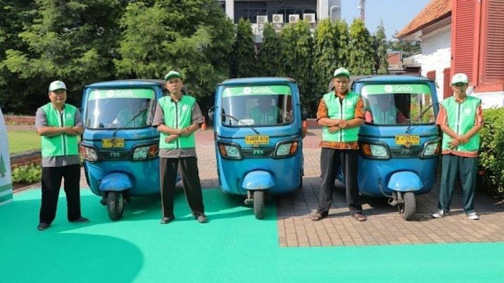 Naik Bajaj di Ibukota Kini Bisa Pesan Lewat Aplikasi