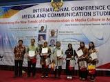 Gambar sampul Mahasiswa S1 Jadi Presenter Terbaik Di Konferensi Internasional Ilmu Komunikasi