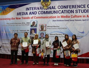 Mahasiswa S1 Jadi Presenter Terbaik Di Konferensi Internasional Ilmu Komunikasi
