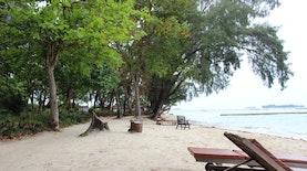 Serunya Pulau Pelangi