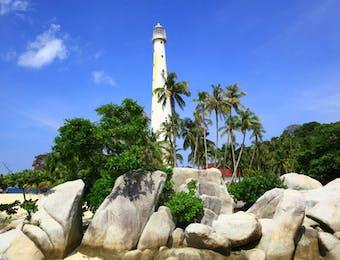 Indahnya Batu Granit Raksasa di Pulau Belitung