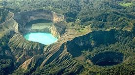 Eloknya Puncak Kelimutu, Danau Kawah yang Terus Berubah Warna