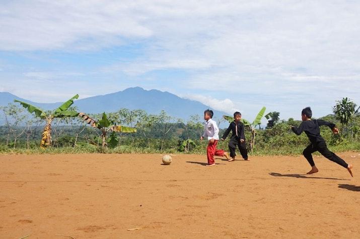 Indonesia Bukan Hanya Tempat Pariwisata dan Jalan-Jalan