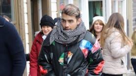 Inilah Desainer di Balik Karya 'Jaket Mi Ayam dan Pete' Joe Jonas