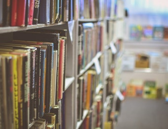 Strategi 'Pancing Buku' untuk Mendirikan Perpustakaan Mini