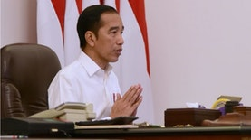 Terdampak Corona, Jokowi Tangguhkan Kredit Usaha Mikro, Tukang Ojek, dkk