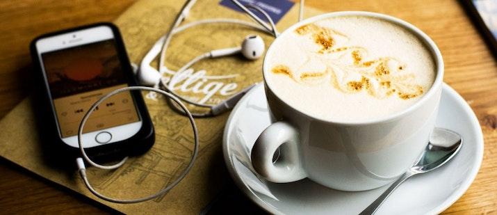 Podcast dan Jalur Cepatnya ke Indonesia