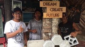 Pemuda Mataram Selamatkan Lingkungan dengan Menyulap Limbah Tahu Tempe Menjadi Batako dan Paving