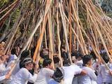 Gambar sampul Ngerebeg Mekotek, Tradisi Tolak Bala ala Desa Adat di Bali
