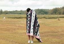 Anggè Anggè : Kreasikan Kain Tradisional menjadi Fashion Kekinian