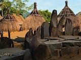 Gambar sampul Keindahan Batu Megalitikum di Antara 33 Rumah Kaki Gunung Inerie